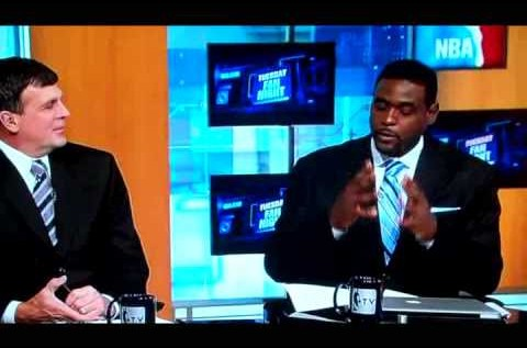 "Chris Webber Puts On Raekwon's ""Surgical Gloves"" on NBA TV"