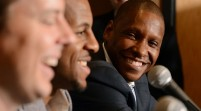 Masai Ujiri wins the NBAs Executive of The Year Award