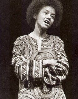 Black History Presents &#8211; Daily knowledge: Nikki Giovanni (Day 13)