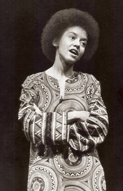 Black History Presents – Daily knowledge: Nikki Giovanni (Day 13)