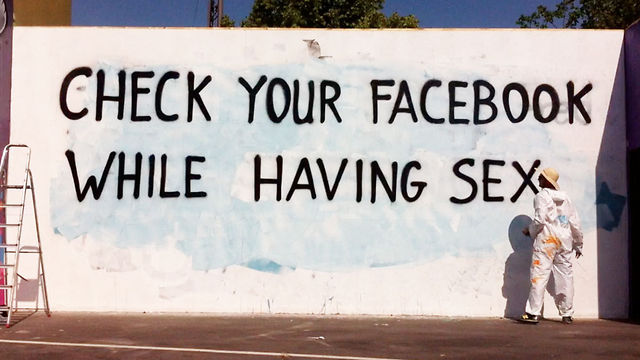 You Are Addicted To Social Media? Wanna Know How I Know? Watch This [VIDEO]