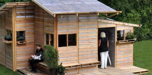 Firm Turns Shipping Pallets Into Transitional Homes For Refugees