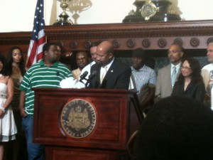 "City Government and Media Launch ""I Pledge Philly"""